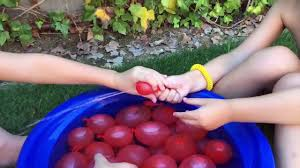 balloon bonanza balloon bonanza 120 water balloons fast pool water balloon