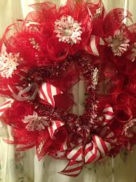 ribbon wreaths deco mesh wreath heart tipped white flowers striped ribbon