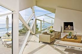rent a gloriously u002780s lautner beach house in malibu for 70k
