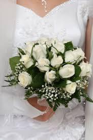 bouquet de fleurs roses blanches good bouquet mariee roses blanches 11 mariage en fleurs 60