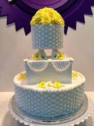 a little old piping this was my finished wedding cake from