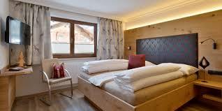 Schlafzimmer Queen Apartments For 2 6 Persons In Mayrhofen Alpinschlössl