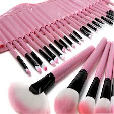 professional makeup artist tools what makeup brushes do professional makeup artists use mugeek