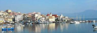torre greco porto torre greco porto cattivi odori dalla friggitoria di pesce