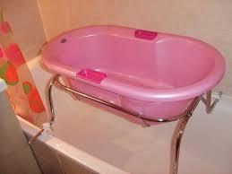 si e baignoire adulte recherche baignoire bébé se fixant sur la baignoire adultes