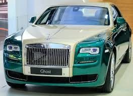 rolls royce ghost gold rolls royce brings two new special editions to dubai
