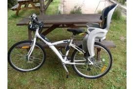 location siège bébé vélo adulte homme avec siège enfant porte bébé hamax vtc à louer