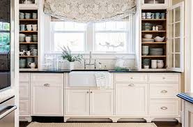 farmhouse style kitchen cabinets 4 key elements of a farmhouse style kitchen