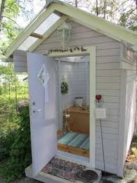 Outdoor Pool Bathroom Ideas Outdoor Pool Changing Room Made Out Of Pallets Crafts