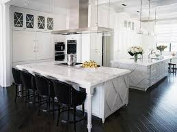 ways to achieve the perfect black and white kitchen decor around