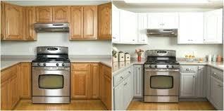 peinturer armoire de cuisine en bois relooker armoire cuisine relooker meuble cuisine agrable peindre