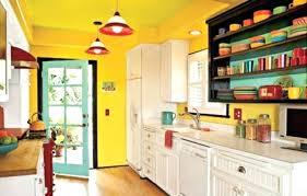 meuble cuisine jaune peinture placard cuisine modele cuisine tras enjouace couleur