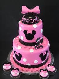 minnie mouse birthday cake minnie birthday cake 10 cutest minnie mouse cakes everyone will