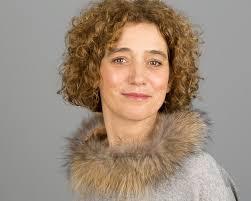 curly hair headshots images in london isabelle teresa walton