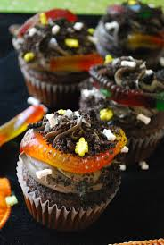 Halloween Birthday Party Cakes by Best 20 Dirt Cupcakes Ideas On Pinterest Fill Dirt Cupcakes