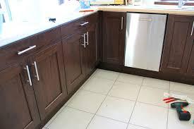 changer les portes des meubles de cuisine poignee meuble cuisine changer poignee meuble cuisine collection