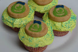 monsters university u0027s mike wazowski cupcakes mom u0027s blog