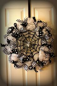 Scary Halloween Decorations Homemade Top 25 Best Halloween Wreaths Ideas On Pinterest Halloween Door