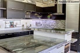 comptoir cuisine montreal cuisine nargi cuisine fermée au plafond avec îlot polyester