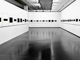 carrelage noir brillant salle de bain peinture de sol laque epoxy pour beton 19 couleurs noir blanc
