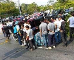 dalam kereta range rover sayu kemalangan ngeri dua kereta mewah nahie maut tersepit
