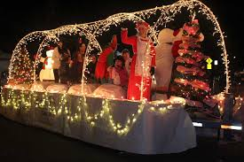 christmas light parade floats plin media group strong turnout for christmas parade