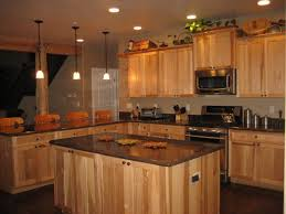 Natural Maple Kitchen Cabinets Best 25 Natural Hickory Cabinets Ideas On Pinterest Rustic