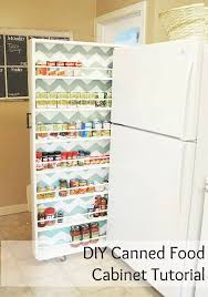 16 soluciones para anadir espacio a cualquier hogar garantizado classy clutter build your own extra storage diy canned food organizer or make the shelf spaces taller between and store your food storage bags on one