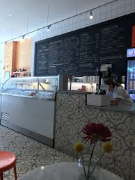 jeni u0027s splendid ice creams at 1505 n milwaukee ave at n honore st