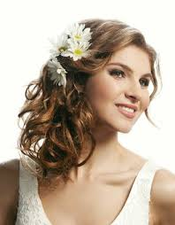 Hochsteckfrisurenen Hochzeit Mit Blumen by Halb Offnes Haar Mit Blumen Festliche Hochsteckfrisuren