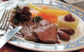 cuisiner gigot de chevreuil de chevreuil sauce grand veneur par theo baumlin
