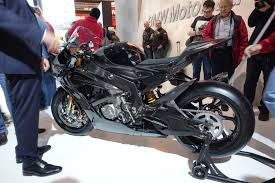 bmw bike 2017 bmw hp4 race gets a carbon fiber chassis for 2017