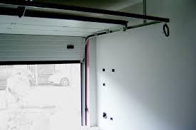 porta sezionale porte garage motorizzate pi禮 sicure con la serratura club viro