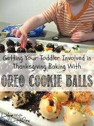 getting your toddler involved in thanksgiving baking with
