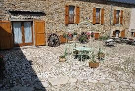 chambre d hote severac le chateau chambres d hôtes entre dolmens et fontaines tourisme aveyron