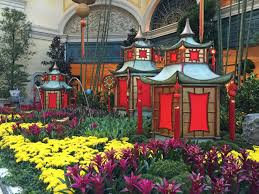 New Year Garden Decoration by The Bellagio And Palazzo Ring In Chinese New Year Las Vegas Blogs