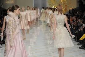 the chambre syndicale de la haute couture guo pei s contemporary twist on traditions couturenotebook