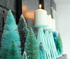 diy dyed bottle brush trees styling a narrow mantle dans le