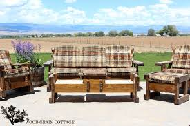 Outdoor Wooden Patio Furniture Outdoor Patio Furniture Makeover The Wood Grain Cottage
