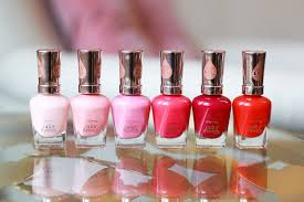 currently on my nails ad amelia liana