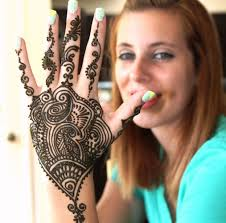 face painting henna tattoos and balloon twisting in los angeles