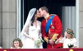 Prince William And Kate Slice Of Prince William And Kate U0027s Wedding Cake To Be Auctioned