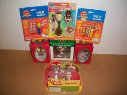 the bugs bunny and tweety show looney tunes taz bugs bunny tweety bird ornaments pez action