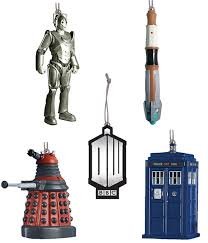 doctor who 5 mini tree ornaments i to these