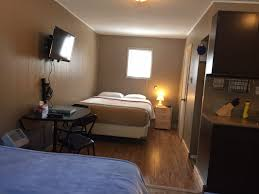 Room With Kitchen by Rates Rossland Motel