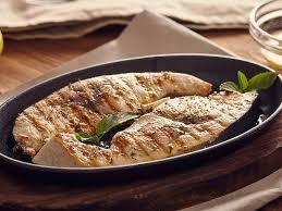cuisine espadon espadon mariné à la marjolaine une recette soscuisine