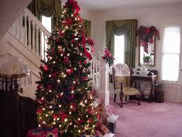 beautiful decorated christmas trees creditrestore us entrance hall christmas tree