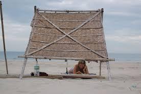 le stuoie io in spiaggia sotto le stuoie paravento resort