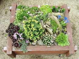 decoration small back yard with rock landscaping with boaders for