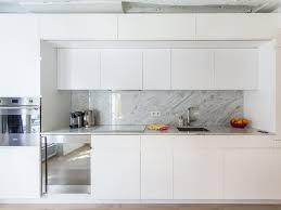 cuisine blanche ouverte sur salon photo cuisine ouverte blanche 20170923010414 tiawuk com